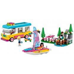 Lego Friends 41681 Furgoneta de camping si barca cu panze