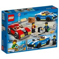 Lego City 60242 arest pe autostrada