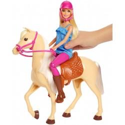 Papusa Barbie cu cal Mattel FXH13