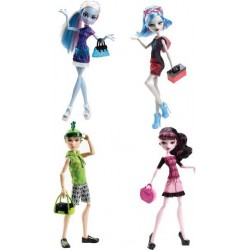 Monster High Papusi Plimbarete Draculaura Y0392